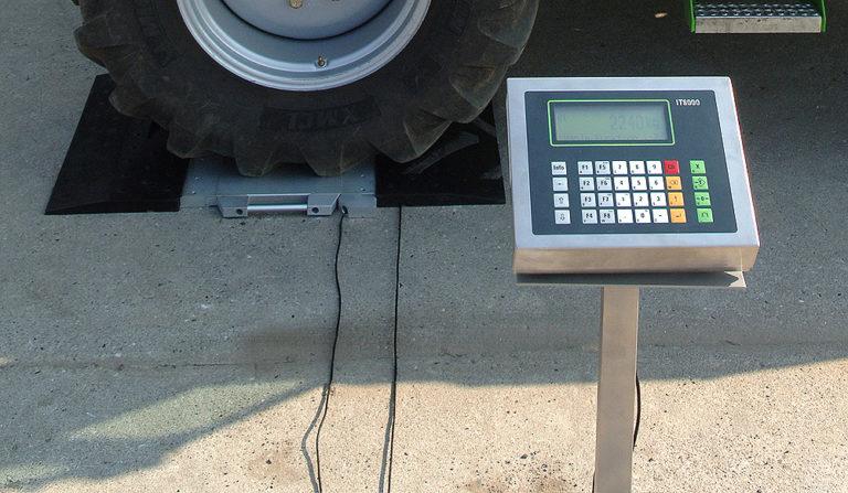 Flintab-03-Radlastwaage-Standard-Plattform-Auffahrkeile-Kabeldurchfuehrung-Waegeterminal-Anzeige