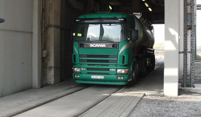 Flintab-04-Kombinierte-Strassenfahrzeugwaage-und-Gleiswaage-Beton