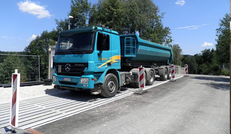 flintab-02-Fahrzeugwaage-Mobil-Stahl-eingebaut-wiegen-LKW_01
